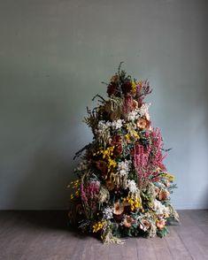 Mandarin Oriental, Bohemian Christmas, Beautiful Christmas Trees, Christmas Tree Flowers, Xmas Trees, Barbie, Flowering Trees, Dried Flowers, Christmas Tree Decorations