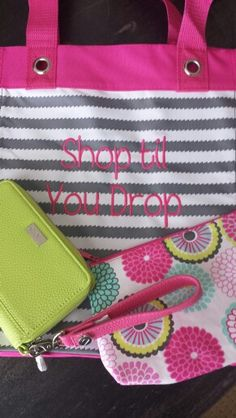 "Coordinate without being all ""matchy matchy""? With Thirty One, yes you can! Grey Wave, Bubble Bloom and Citrus Lime - all different patterns that create a coordinated, stylish look. #ThirtyOneGifts #ThirtyOne #JewellByThirtyOne #Monogramming #Organization #31Gives #31uses"
