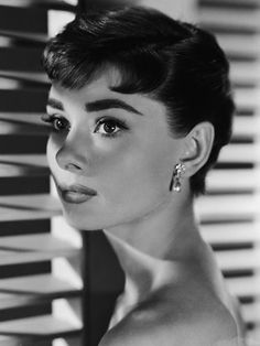 In both Roman Holiday and Sabrina, Audrey Hepburn drastically cut her long hair into a super-short pixie — and made her male co-stars weak in the knees. The pixie cut was perfectly suited to Audrey's dramatic features (like her famous swan-like neck ), but the style will work on anyone who has an oval, square, or heart-shaped face and straight or wavy hair.