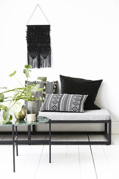 Artesian wall decoration black house doctor for €59.00. Best price guarantee ✓ Free shipping in many countries ✓ 28 days right of return ✓ 3% discount on prepayment ✓