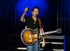 Live Video: New Gary Allan Song – 'It Ain't The Whiskey' via http://todayscountrymusicvideos.com/2012/11/19/live-video-new-gary-allan-song-it-aint-the-whiskey/