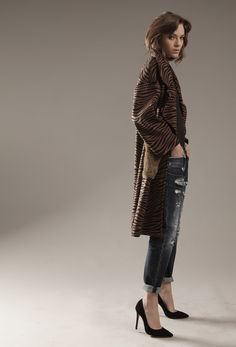 Its time to show the natural elegance of denim #CYCLE #FW17 jeans and clothes Made in Italy #CYCLEJEANS new contemporary exclusive collection for international #topshops #settingthestandard #ilovecyclejeans #wearecyclejeans www.cyclejeans.com