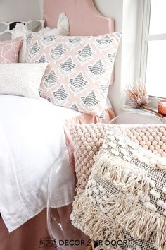 Blush and black dorm bedding and dorm room decor. Shop this years hottest dorm r. Blush and black dorm bedding and dorm room decor. Shop this years hottest dorm room trends. Dorm Room Headboards, Dorm Room Bedding, Baby Bedding, Comforter, Pink Dorm Rooms, Cute Dorm Rooms, Preppy Dorm Room, Dorm Bed Skirts, Twin Xl Bedding Sets