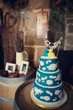 blue and white wedding cake, image by Assassynation