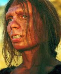 Cro-Magnon corresponde a ciertos fósiles de Homo Sapiens, en especial a los que estaban asociados a las cuevas. Este termino esta abandonado por prehistóricos y paleótologos. Se le data de unos 40.000 y 10.000 años de antigüedad. Tenían locomoción bípeda, reducción de la mandíbula y la aparición de la laringe, capaz de producir sonido, conocido como lenguaje.  Modificación ambiental y cultural.