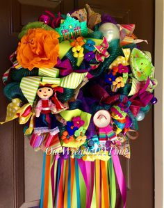 FIESTA WREATH FROM ONE WREATH AT A TIME Mexican Christmas Decorations, Fiesta Decorations, Christmas Tree Themes, Holiday Tree, Christmas Love, Holiday Wreaths, Xmas Decorations, Christmas Ornaments, Mexico Christmas