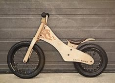 Wooden Bicycle, Wood Bike, Woodworking For Kids, Woodworking Projects, Balance Bicycle, Wood Crafts, Diy And Crafts, Modern Kids Bedroom, Push Bikes
