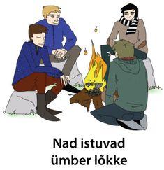 Nad istuvad ümber lõkke.