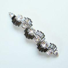 Vintage Hattie Carnegie Bar Pin Brooch Black Diamond Clear Ice Rhinestones Signed by redroselady on Etsy