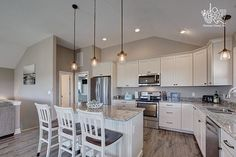 Get ready to cook up a family feast at Hangin' on the Banks in this well equipped kitchen. // New hot tub added for Coastal Kitchens, Hatteras Island, Get Ready, Vacation Rentals, Decorating Your Home, Banks, Kitchen Dining, Beaches, Tub