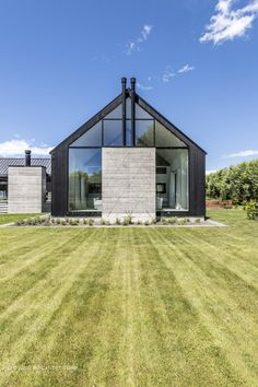 Sustainable Architecture, Residential Architecture, Adele, Barn House Design, Tiny House Exterior, Contemporary Barn, Timber Structure, Shed Homes, House Extensions