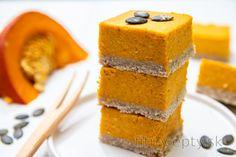 Individuálny kakaový cheesecake z tvarohu Cornbread, Baked Goods, Granola, Cheesecake, Baking, Healthy, Fitness, Ethnic Recipes, Desserts