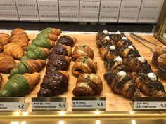 21 nette Cafes in Seoul - Osaka & Seoul - Essen Coffee Shop Aesthetic, Aesthetic Food, Korean Cafe, Korean Food, Chinese Food, Croissant, Korean Coffee Shop, Matcha, Seoul Cafe