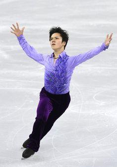 男子SPで演技する宇野昌磨=江陵(提供・共同通信社) - Yahoo!ニュース(デイリースポーツ)