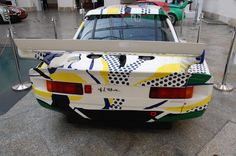 BMW 320i painted by Roy Lichtenstein