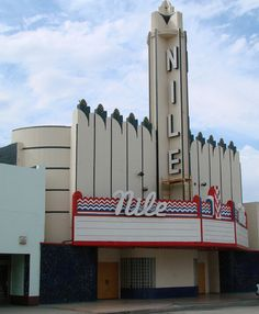 Nile Theatre, Bakersfield, California - This abandoned theater was repurposed and reopened as The Nile Bar & Grill, a popular Bakersfield nightclub. Bakersfield California, Tracy California, Southern California, Old Buildings, Abandoned Buildings, Abandoned Places, Las Vegas, Building Signs, Movie Theater