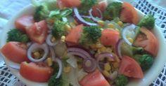 Ensalada de lechuga con brócoli y elote    Otra ensalada fresquita con a vinagreta