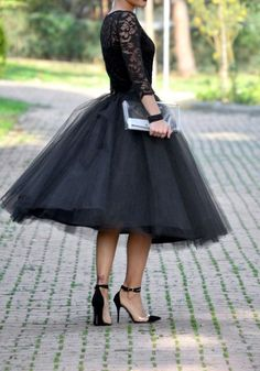 The tulle dress is an absolutely wonderful piece that you can see ladies wear for cocktail parties a Black Tulle Skirt Outfit, Denim Skirt Outfits, Dress Skirt, Tutu Skirt Women, Tutu Outfits, Party Outfits, Outfit Trends, Outfit Ideas, Ladies Dress Design
