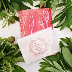 """Das ist unser neues Notizheft IMAGINE zusammen mit unserer Geschenk-Karte """"Zum Glück geboren"""" - das perfekte Geschenk für einen lieben Menschen, der gerade an einer neuen Idee sitzt, in einem Umbruch steckt oder der einfach gerne schreibt. Kennst Du jemanden, der das gebrauchen kann?   #notizheft #meineworte #papeterie #graficdesign #lustigegeschichten  #loveletter #givemylovetoyou #zumglueckgeboren #no17 #papeterie  #glückwünsche #iwishyouluck #geburtstag #ichhöredich #ichhöredirzu #imagine Grafic Design, Illustration, Paper Mill, Funny Stories, Joy, People, Birthday, Cards, Simple"""