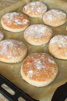 Tasty, Yummy Food, Fika, Griddle Pan, Baking Recipes, Cookies, Desserts, Hand Fans, God