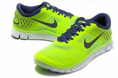 Nike Free 4.0 V2 Homme 012 [NIKEFREE 037] - €61.99 Nike Shoes Cheap, Running Shoes Nike, Cheap Nike, Nike Free Runs, Nike Men, Dark Blue, Sneakers Nike, Green, Stuff To Buy