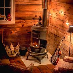 This stove is just what is needed for my retirement, someday I hope. This stove is just what is needed for my retirement, someday I hope. Cozy Cabin, Cozy House, Cozy Cottage, Sun House, Small Log Cabin, Small Cabins, Rustic Cottage, Cabin In The Woods, Log Cabin Homes
