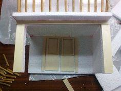 Cómo hacer casas para belenes de Navidad paso a paso Furniture Projects, Miniatures, Mirror, Diy, Home Decor, Wood Bracelet, Paint Colors, Decoration Crafts, Step By Step