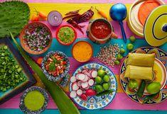Απολαυστική γεύση ντομάτας σε 5 συνταγές | Έθνος Veggie Tacos, Vegetarian Tacos, Marinated Pork, Braised Pork, Wine Spritzer Recipe, Pitcher Of Margaritas, Bright Cellars, Fried Fish Tacos, Ground Beef Tacos