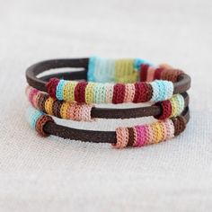 kjoo ~ leather and crochet bracelets and rings. Crochet Amigurumi, Knit Crochet, Crochet Baby, Crochet Gifts, Free Crochet, Collar Diy, Jewelry Crafts, Handmade Jewelry, Geek Jewelry