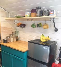 Clint built a shelf above the food prep counter and used black pipe as the support/accent. We like how it turned out :) #airstream #airstreamliving #diy #liveriveted #houseonwheels #loveinatincan #diywindow #rv #rvliving #tinyhouse #tinyhouseliving #vintageairstream #vintagetrailer #airstreamhome #airstreamhouse #dreamhouse #electricity #buildingatinyhouse #tinyhouselife #advantech #airstreaminterior #offthegrid #tinyhouses #tinyhouselove #homeiswhereyouparkit #tinyhousemovement…