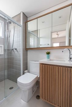AP Guarulhos 907 | meusite Bath Decor, Interiores Design, Bathroom Inspiration, Corner Bathtub, Toilet, Sweet Home, New Homes, Art Deco, Loft