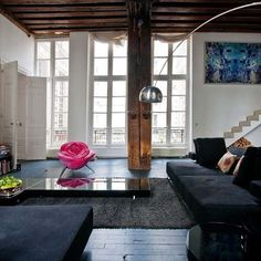 Apartamento de Josephine Gintzburguer, em Paris, França. Projeto de Josephine Gintzburger. #arquitetura #arte #art #artlover #design #architecturelover #instagood #instacool #instadesign #instadaily #projetocompartilhar #shareproject #davidguerra #arquiteturadavidguerra #arquiteturaedesign #instabestu #decor #architect #criative #interiores #estilos #combinações #interior #styles #combinations #josephinegintzburguer #paris #franca