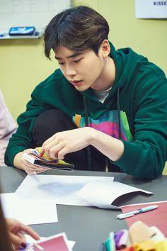 Lee Jong Suk collaboration with designer Lee Seul (October Lee Jong Suk Cute, Lee Jung Suk, W Kdrama, Kdrama Actors, Korean Celebrities, Korean Actors, Celebs, W Two Worlds Wallpaper, Lee Jong Suk Wallpaper