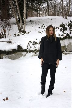 #bisousmack #mackenzieperiatt #aldo #express #bcbg #forever21 #hm #sweaterweather #fashion