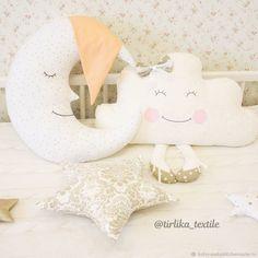 Комплект подушек в детскую - купить или заказать в интернет-магазине на Ярмарке Мастеров - DS3YNRU | Мы выполним для вас подушечки в виде слоника,…