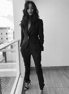"""Those kinds of pictures / quotes / clothes / music and funny bits and overall inspiration in our personal humble opinion worth the word: """" BANANAS! Minimalist Wardrobe, Minimalist Fashion, Minimalist Style, Business Outfits, Business Casual, Jessica Gomes, Gucci Suit, Simple Outfits, Work Outfits"""