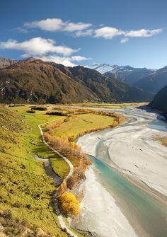 Autumn Valley (by Lans Hansen)