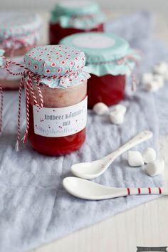 Homemade: Erdbeerkonfitüre mit Marshmallowcreme