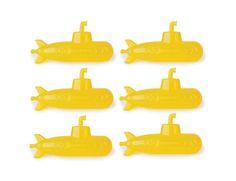 funny coloured cooking utensil - ustensile de cuisine rigolo de couleur - Reusable Ice Cubes Submarine by kikkerland