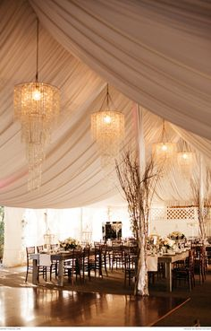 Beautiful venue at Twin Oaks Garden Estate with natural and classic decor | Real weddings | The Pretty Blog