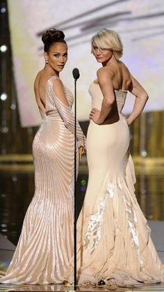Jennifer Lopez and Cameron Diaz. Más
