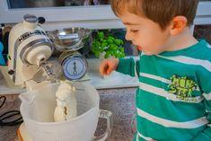 Kochen mit Kindern: unsere Top 8 Blogger-Rezepte - #zukunftleben Kitchen Aid Mixer, Kitchen Appliances, Kid Cooking, Recipies, Diy Kitchen Appliances, Home Appliances, Kitchen Gadgets