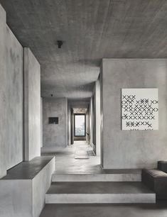 Belgian architect Vincent Van Duysen has designed this luxurious apartment in Antwerp: 'C Penthouse' balances dark, textured spaces with a rich chocolate and gray color. Beton Design, Concrete Design, Concrete Architecture, Architecture Design, Vincent Van Duysen, Concrete Interiors, Concrete Houses, Concrete Walls, Industrial House