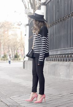 striped sweater maje pink heels black trousers coach bag uterqüe hat accessories style fashion04