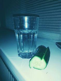 water en komkommer. soms heb je niet meer nodig.