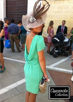Que alguien me diga de que marca es!!!!! Por favor!!!!! Derby Outfits, Summer Wedding Outfits, Wedding Guest Looks, Backless Top, Cocktail Outfit, Fancy Hats, Wedding Hats, Mother Of The Bride, Dress To Impress
