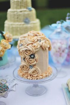 piped rose cakes - Google Search