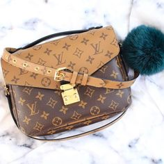 2017 New #Louis #Vuitton #handbag.Louis Vuitton Reversed Monogram  Pochette Metis M41465 Coffee.