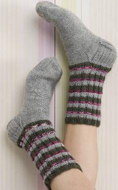 Suurenna kuva Sexy Socks, Colorful Socks, Knitting Socks, Sewing Projects, Stockings, Crochet, Crafts, Collection, Fun