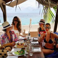 Nicole Pinheiro, SIlvia Braz, Helena Lunardelli, Luiza Sobral | Restaurante do Brazil | St. Barth